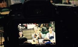 광주 극장 관객과의 대화 모습을 찍는 카메라 썸네일 사진