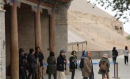 실크로드의 관문 둔황 썸네일 사진