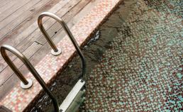 수영장 타일 그리고 물 썸네일 사진